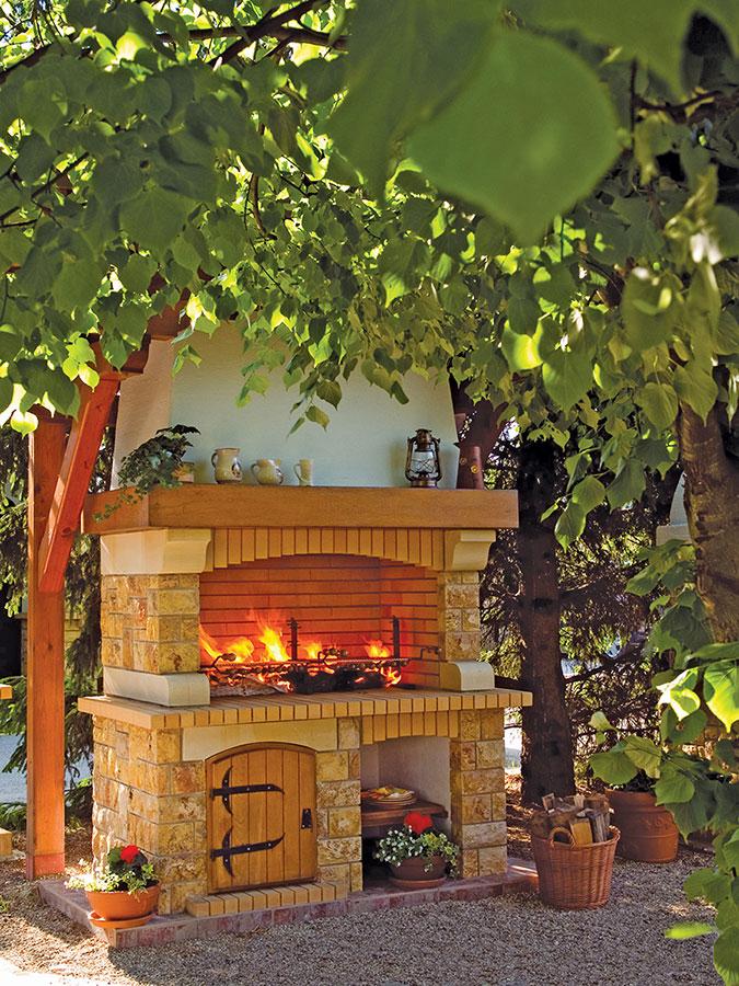 Rustikalni vrtni kamin / roštilj Tramontano