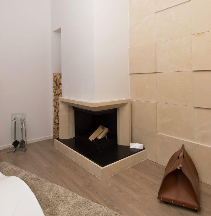 Kamin Luxor u salonu